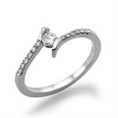 תמונה של טבעת יהלום 0.2 קראט עם יהלומים צדדיים 0.12 קראט